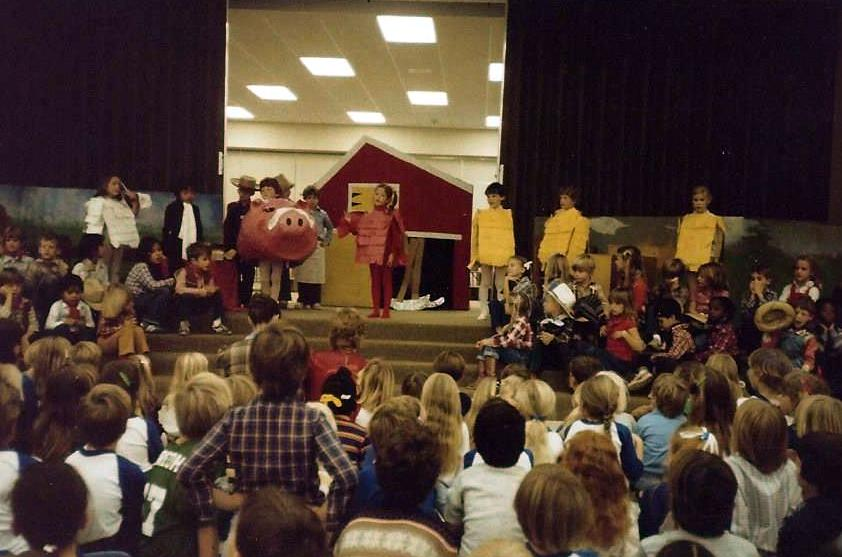 little red hen play1